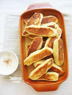 """W oryginalnym przepisie określone są nazwą """"twarożki"""", ale nie do końca oddaje to ich naturę. Któż nie lubi twarogowych klusek przyrumienio... Vegan Recipes, Snack Recipes, Cooking Recipes, Snacks, Breakfast Dishes, Breakfast Recipes, Pierogi Recipe, Best Appetizers, Kids Meals"""