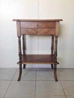 Costurero antiguo de madera, 225 €