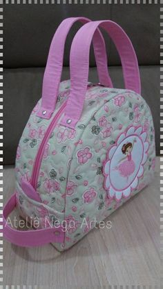 Fabric Purses, Fabric Bags, Patchwork Bags, Quilted Bag, Handmade Handbags, Handmade Bags, Baby Applique, Embroidery Bags, Small Sewing Projects