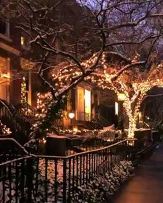 Likes, 54 Comments - New York City Aesthetic, Travel Aesthetic, Aesthetic Videos, New York City Christmas, Chelsea New York, Christmas Scenery, New York City Manhattan, New York Pictures, New York Life