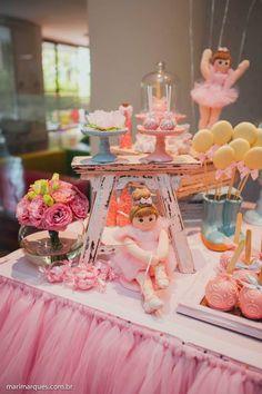 Festa Bailarina!! Ballerina Party Decorations, Table Decorations, Victoria Wedding, Pink Christmas, Girl Birthday, Tea Party, Birthdays, Shabby Chic, Tulle