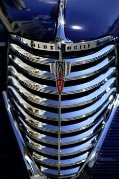 Vintage Cars, Antique Cars, Car Part Art, Automobile, 65 Mustang, Car Hood Ornaments, Us Cars, Automotive Art, Old Trucks