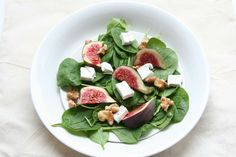Spinach Salad with goat cheese and fresh figs > Spinazie salade met geitenkaas. Recipe > www.lekkeretenmetlinda.nl