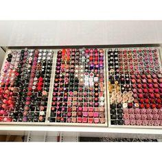 lipstick and makeup Bild
