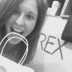 A very happy customer & winner of our @madamemedusabeauty #REXCHEQUES comp!