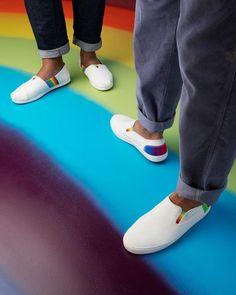 Σχεδιασμός με pride που αποτελεί μέρος της συλλογής Unity. 100% vegan Vans Classic Slip On, Men's Shoes, Toms, Sneakers, Fashion, Tennis, Moda, Man Shoes, Slippers