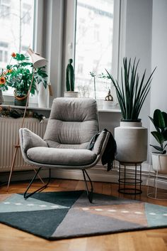 Masha Sedgwick | apartment location: Berlin Mitte, Germany | Blogger at home | interior | Leseecke | Erker nutzen | Ideen | Raum.Freunde