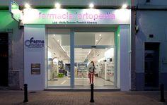 Farmacia FarmaOndara http://www.itssingular.com/index.php/proyectos/proyectos-arquitectura-interiorismo/246-farmacia-farmaondara