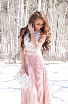 White lace top with a long pink skirt - LadyStyle