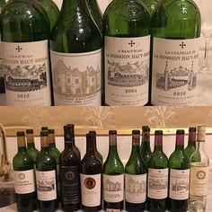 Fantastisk middag ikväll med självaste storchefen själv. Inte varje dag man har middag med självaste Prince Robert de Luxembourg som äger Haut-Brion och La Mission Haut-Brion French Wine, French Food, Prince, Bottle, Instagram Posts, Flask, Jars