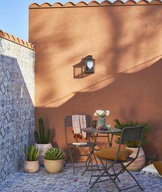 Home Exterior Spanish Decor Ideas Backyard Patio, Backyard Landscaping, Patio Design, Garden Design, Terrace Tiles, Terrace Decor, Hacienda Style, Pergola Shade, Shade Garden