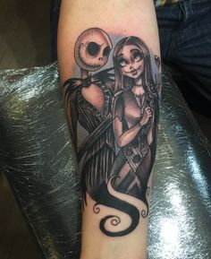 Jack and Sally by Mat Lapping @ Creative Vandals Hull, UK Forarm Tattoos, Body Art Tattoos, Sleeve Tattoos, Cool Tattoos, Tatoos, Brides With Tattoos, Tattoos For Women, Couples Hand Tattoos, Jack Et Sally