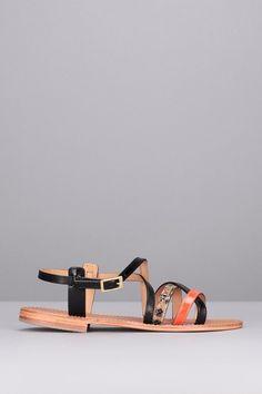 Pin for Later: 102 Paires de Sandales Ultra Tendances à Moins de 100€  Les Tropéziennes Nu-pieds cuir noir et reptile Hapax (59€)