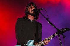 Dave Grohl Photo:  This Photo was uploaded by bruinshboston_2008. Find other Dave Grohl pictures and photos or upload your own with Photobucket free imag...
