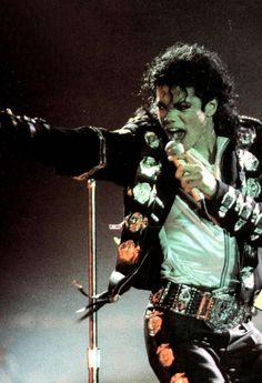 Michael Jackson BAD World Tour Wanna Be Startin' Something (Opening) Paris Jackson, Mike Jackson, Invincible Michael Jackson, Michael Jackson Bad Era, Lisa Marie Presley, Elvis Presley, Mj Bad, You Give Me Butterflies, Another Part Of Me