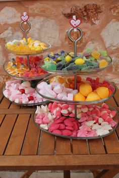 Candy Bar Party, Candy Bar Wedding, Candy Table, Candy Buffet, Party Snacks, Eat Dessert First, Dessert Bars, Dessert Table, Sweet Carts