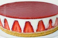 Cheesecake fara coacere cu capsuni - reteta video | JamilaCuisine Chocolate Peanut Butter Cheesecake, Nutella Cheesecake, Cheesecake Recipes, Baked Strawberries, Chocolate Strawberries, No Cook Desserts, Dessert Recipes, Cheesecake Frio, Cheesecake