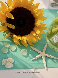 beach/sunflower wedding! WHOAH. I can combine them!? THIS MIGHT HAPPEN, Y'ALL. <3