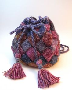 Knitting pattern for Boho Bag in entrelac