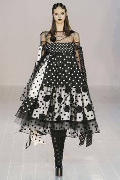 Marc Jacobs Fall 2016 Ready-to-Wear Fashion Show - Yue Ning