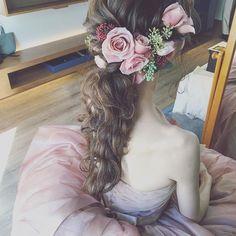 * * ピンクのカラードレスに アンティークピンク色の 薔薇がぴったりでした * * #ウェディング #マリhair #浜松市