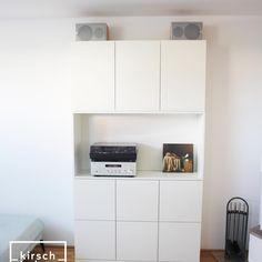 #kirschholz #tv #tvmöbel #tischler #schallplatten #fernseher #weiß #interiordesign #interior #tischlerei #tischlermeister #schreiner #wohnzimmer #music #vinyl #tischlerei #schönerwohnen #schreinermeister #inneneinrichtung #innenraum Interiordesign, Vinyl, Kitchen Cabinets, Storage, Projects, Furniture, Home Decor, Tv Units, Carpentry