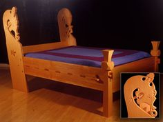 Viking bed by Jay Haavik