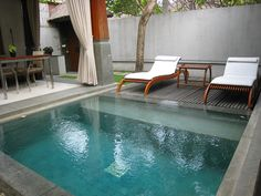 Having a pool sounds awesome especially if you are working with the best backyard pool landscaping ideas there is. How you design a proper backyard with a pool matters. Small Backyard Pools, Backyard Pool Designs, Small Pools, Swimming Pools Backyard, Pool Landscaping, Lap Pools, Indoor Pools, Inground Hot Tub, Kleiner Pool Design