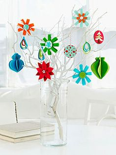 cute felt ornaments (russian website - has a huge collection of felt projects)