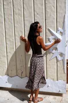 How to Avoid Looking Awkward in a Midi Skirt