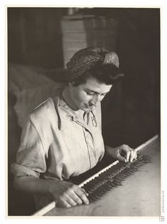 Sergej Protopopov: Práca v tabačiarni 4.:1935 - 1936