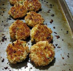 Baked Chicken Croquettes Retro Food - Rants From My Crazy Kitchen Traditional chicken croquettes baked in the oven. All the delicious taste without frying! Turkey Croquettes, Chicken Croquettes, Croquettes Recipe, Homemade Chicken Gravy, Retro Recipes, Ethnic Recipes, Chipped Beef, Crazy Kitchen, Baked Pork Chops