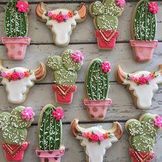 gold rustic cacti and steer head cookies Set includes 12 large cookies, 4 of each design pictured.Set includes 12 large cookies, 4 of each design pictured. Royal Icing Cookies, Sugar Cookies, Cookies Et Biscuits, Iced Biscuits, Cactus Cake, Cactus Cupcakes, Cactus Food, Cute Cookies, Heart Cookies
