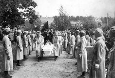 Funeral of Lotta Svärd member Aimi Knuuttila, Tampere, Finland, 1941