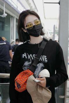 Korean Short Hair, Korean Girl, Stage Outfits, Fashion Outfits, Cool Anime Girl, Cute Haircuts, Asia Girl, Girl Cartoon, Ulzzang Girl