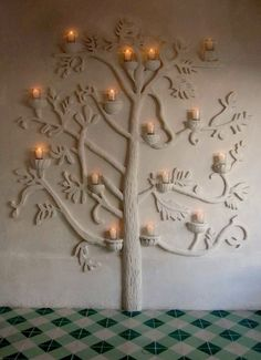 """Check out this zou ik zo op mijn wand willen hebben.""""Inspired by the traditional Mexican """"tree of life"""" gemaakt door Charles de Lisle's The post zou ik zo op mijn wand willen hebben.""""Inspired by th . Cob Building, Building A House, Green Building, Home Interior, Decor Interior Design, Interior Decorating, Camping Am Meer, Earth Bag Homes, Tadelakt"""