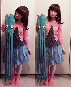 epic octopus scarf with tentacles - PDF crochet pattern by Hello Happy