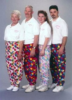 Google Image Result for http://www.thesocialrehab.com/wp-content/gallery/awkward-family-photos/6a00e55376d5bc8834011570f2c0d6970b-500wi.jpg