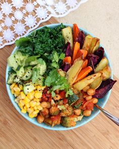 "naturallynina: ""One great big nourishing bowl o'plant goodness. HAPPY FRY-DAY FRIENDS!! IG: @naturally_nina_ """