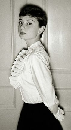 Audrey Hepburn by Cecil Beaton, in London in 1954.  Audrey © Cecil Beaton, in London, March 29, 1954