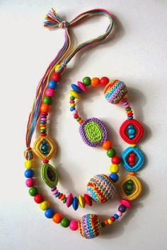 Today's Etsy crochet feature pick is a great colorful necklace by DreamList. I love the great colors as well as the combination of wooden and crochet beads. Textile Jewelry, Fabric Jewelry, Jewelry Art, Crochet Jewellery, Fabric Necklace, Beaded Necklace, Necklaces, Crochet Collar, Crochet Bracelet