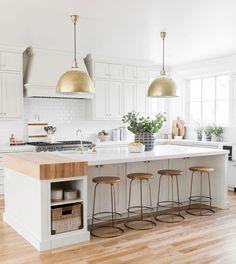 The kitchen that is top-notch white kitchen , modern kitchen , kitchen design ideas! Farmhouse Kitchen Island, Kitchen Island Decor, Modern Farmhouse Kitchens, White Kitchen Cabinets, Kitchen Countertops, Kitchen Modern, Kitchen Islands, Gray Cabinets, Rustic Kitchen