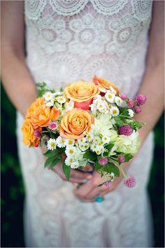 simple wedding bouquet #weddingbouquet @weddingchicks