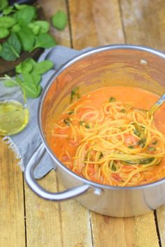 One Pot Pasta - Pasta mit Basilikum, Tomate und Spinat - One Pot Tomato Spinach Basil Pasta - mittagessen - Yummy Pasta Recipes, Spinach Recipes, Vegetable Recipes, Soup Recipes, Family Recipes, One Pot Vegetarian, Vegetarian Recipes, Tomato Basil Pasta, One Pot Pasta