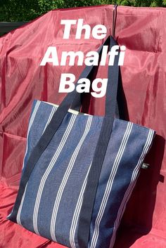 The Amalfi bag is handmade from canvas , lined with water-repellent fabric and has 2 inner pockets. perfect for a summer day for work, in the park, for shopping or even to the beach. Rooms all your essentials. Order on webpage or contact me for a lovely chat! Summer Bags, Amalfi, Design Your Own, Carry On, Essentials, Rooms, Pockets, Park, Canvas