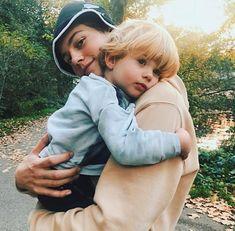 Awww😍😍 so cute! Cute Relationship Goals, Cute Relationships, Family Goals, Couple Goals, Beautiful Boys, Pretty Boys, Van Djik, Cute Couples Goals, Hot Boys