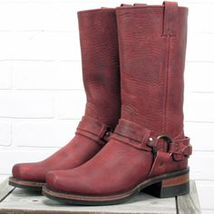 Frye Harness Boots 77250 RARE Burnt Red Oiled Leather