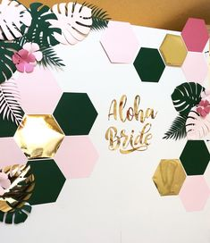 Bridal Shower / Bride to Be Tropical Backdrop made up of paper leaves, hibiscus flowers and hexagon shapes. Luau Bridal Shower, Bridal Shower Backdrop, Tropical Bridal Showers, Tropical Party Decorations, Bachelorette Party Decorations, Bridal Shower Decorations, Paper Flower Backdrop, Paper Flowers, Diy Recycling