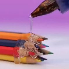Life Hacks Videos For School 5 Minute Crafts Videos, 5 Min Crafts, Diy Crafts Hacks, Diy Home Crafts, Diy Videos, Craft Videos, Fun Crafts, Hacks Videos, Homemade Crafts