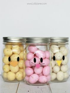 Diy Crafts : Illustration Description Adorable and EASY mason jar idea! Apply little faces to clear mason jars and fill with colorful candies to make quick Easter mason jar craft favors! Crafting is just…Fun! -Read More – Mason Jar Crafts, Mason Jar Diy, Hoppy Easter, Easter Eggs, Easter Bunny, Dulces Halloween, Somebunny Loves You, Easter Holidays, Easter Party